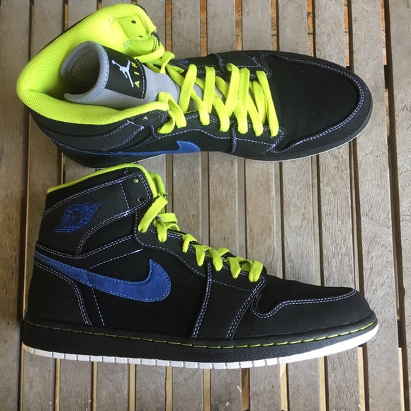 outlet store 42130 5b516 Nike Air Jordan Retro 1 Black Cyber Blue Sneaker. M 5ace3ede8df4700d98e806e4